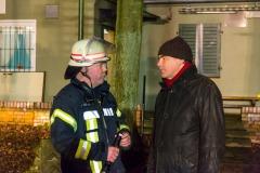 Bürgermeister Lutz Brockmann im Gespräch mit Stadtbrandmeister Peter Schmidt.