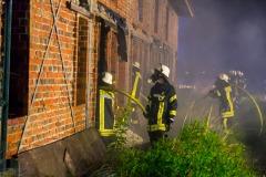 Von mehreren Seiten aus wurde das Feuer bekämpft.