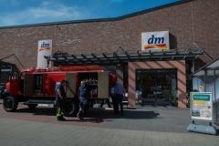 Auch das TLF 15 der Oldtimer-Gruppe war am Fachmarktzentrum zu sehen.