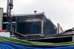 Rauchentwicklung aus dem Dach.