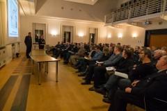 Vertretern aller acht Ortsfeuerwehren sowie von Stadtrat und -verwaltung berichteten Stadtbrandmeister Peter Schmidt und sein Stellvertreter Mario Rosebrock über den Stand und die Zukunft der Stadtfeuerwehr Verden.