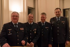 Kreisbrandmeister Hans-Hermann Fehling mit Joachim Gadow, Stadtbrandmeister Peter Schmidt sowie dessen Stellvertreter Mario Rosebrock (v.l.).