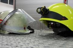 Vergleich der neuen und alten Helme.