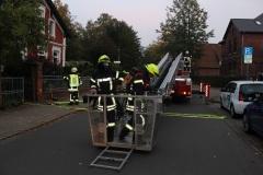 Die Drehleiter wird zur Menschenrettung und Brandbekämpfung vorbereitet. (KFV Verden/Dathe)