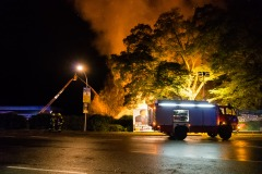 Brandbekämpfung von der Drehleiter aus.