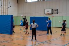 Beim Sportturnier wurde Mattenvölkerball gespielt.