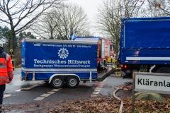Hochleistungspumpe des THW Ortsverbandes Bremen-Ost trifft an der Einsatzstelle ein.