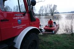 Im Bereich der Fährstraße wurde das Boot der FTZ zu Wasser gelassen.