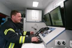 Koordination der Einsatzkräfte vom Einsatzleitwagen der Feuerwehr Verden aus.