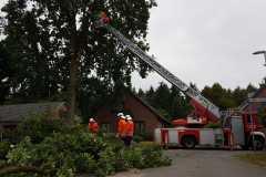 Erneuter Einsatz für die Drehleiter - Sturmschaden in Langwedel-Daverden.