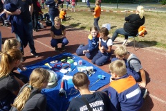 Geschicklichkeit und Wissen wurden beim Kreis-Spiel ohne Grenzen von den Kindern und Jugendlichen gefordert.