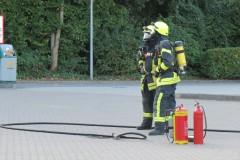 Die Feuerwehr stellte vorsorglichen den Brandschutz an der Einsatzstelle sicher.