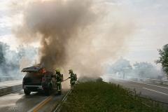 Situation kurz nach Eintreffen der ersten Einsatzkräfte auf der Autobahn.