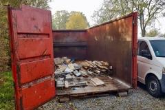 Der im Altpapiercontainer entsorgte Abfall.