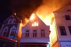 Mit 248 Einsätzen konnte die Ortsfeuerwehr Verden auf ein sehr einsatzreiches Jahr zurückblicken (Foto: Brand eines historischen Gebäudes am Ostersamstag in der Verdener Innenstadt).