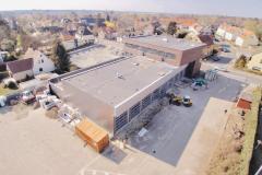 07. April - Blick aus luftiger Höhe auf den Neubau.