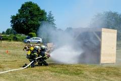 Löschvorführung der Freiwilligen Feuerwehr Hamburg-Warwisch.