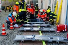 Rettungskräfte von Deutschem Roten Kreuz, Johannitern und Landkreis Rettungsdienst betreuten die Verletzten am norderstädtischen Markt.