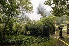 Starke Rauch- und Qualentwicklung während des Brandes und der anschließenden Löscharbeiten.