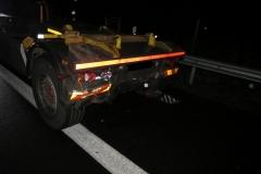 Schäden an den beteiligten Fahrzeugen.