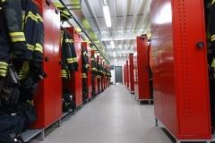07.03.2020 - Die bestückte Herrenumkleidekabine im Neubau.