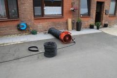 Einsatz eines Be- und Entlüftungsgerätes zur Durchlüftung des betroffenen Kellers.