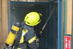 Brandbekämpfung unter Atemschutz.