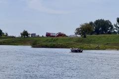 Ein unbekannter, in der Weser treibender Gegenstand sorgte am Samstagmorgen für einen Einsatz von Feuerwehr, DLRG, Rettungsdienst und Polizei.