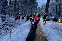 Gemeinsamer Einsatz von Feuerwehr und Rettungsdienst.
