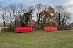 Die Altpapiercontainer am Scharnhorster Dorfgemeinschaftshaus.