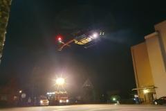 Der Hubschrauber während der Landung.