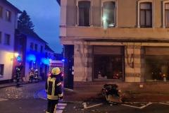 Brandgut wurde außerhalb des Gebäudes abgelöscht.