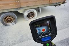 Blick in die Wärmebildkamera – die Räder haben eine Temperatur deutlich über 100 °C.
