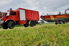 Das MZB mit dem Gerätewagen-Ölsperre als Zugfahrzeug.
