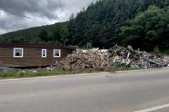 Auch fast drei Wochen nach der katastrophalen Flut türmen sich noch überall Trümmer auf.