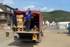 Einsatzkräfte aus Hönisch-Hutbergen, Kelberg und Verden auf Versorgungsfahrt im Ahrtal.