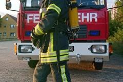 Die HuPF-Einsatzbekleidung für den Brandeinsatz und Innenangriff - sie schützt die Einsatzkräfte auch bei direkter Einwirkung von Feuer.