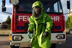 Der Chemikalienschutzanzug - Er schützt die Einsatzkräfte bei Gefahrguteinsätzen vor der Schadwirkung von atomare, biologischen und chemischen Stoffen.