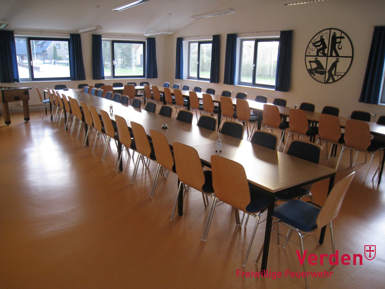 Großer Unterrichtsraum mit Platz für bis zu 60 Personen.