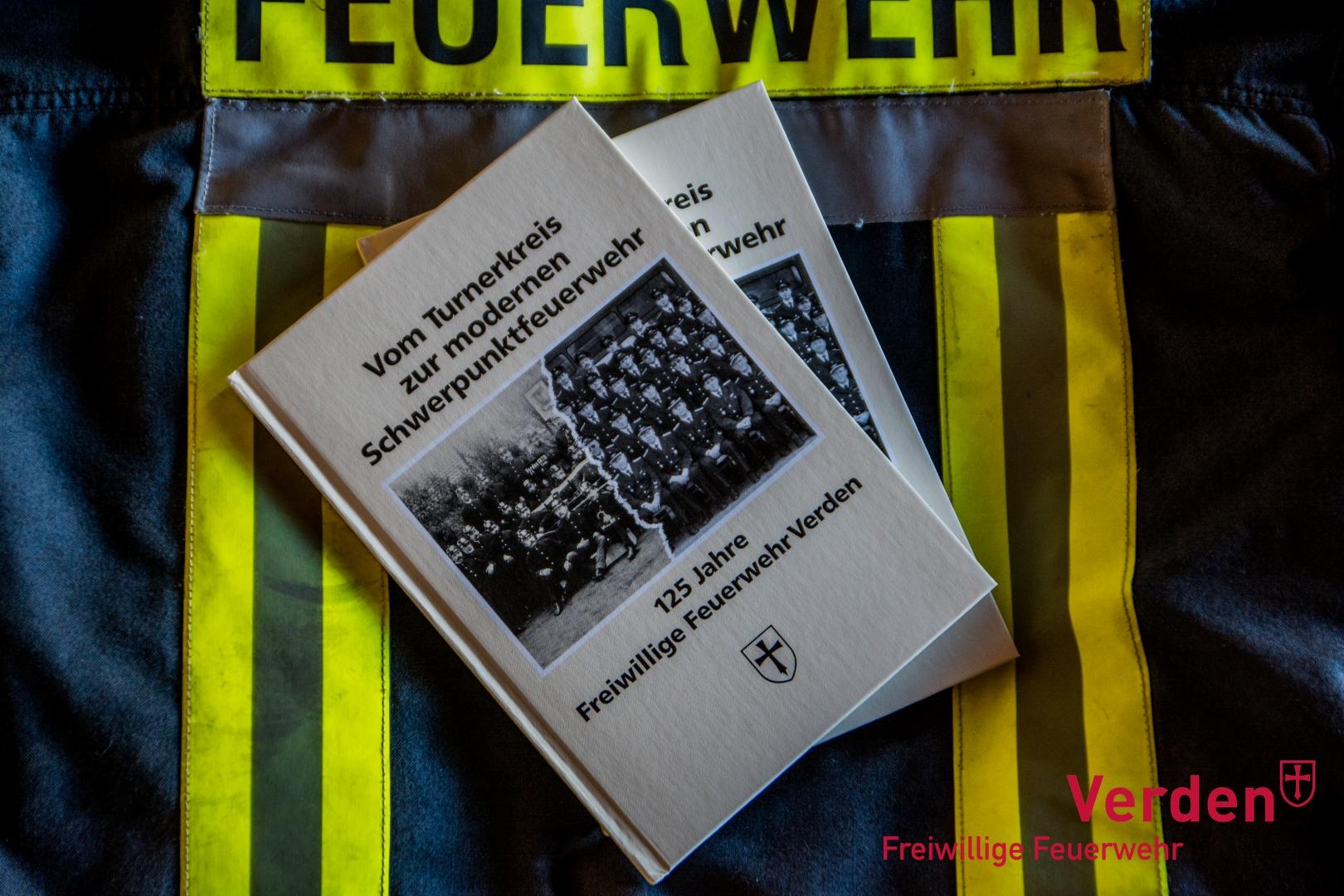 Chronik zum 125 jährigen Jubiläum der Ortsfeuerwehr Verden im Jahre 1994.